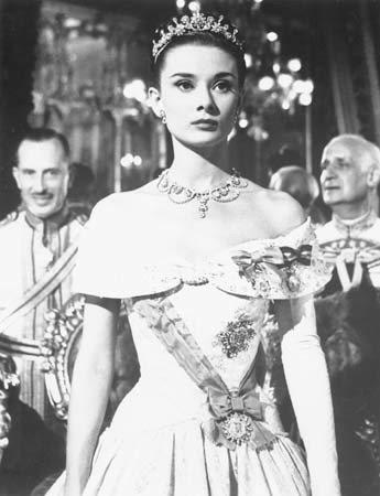 奧黛麗赫本的貴氣與生俱來,演公主堪稱不做第二人想。圖/摘自Britannica