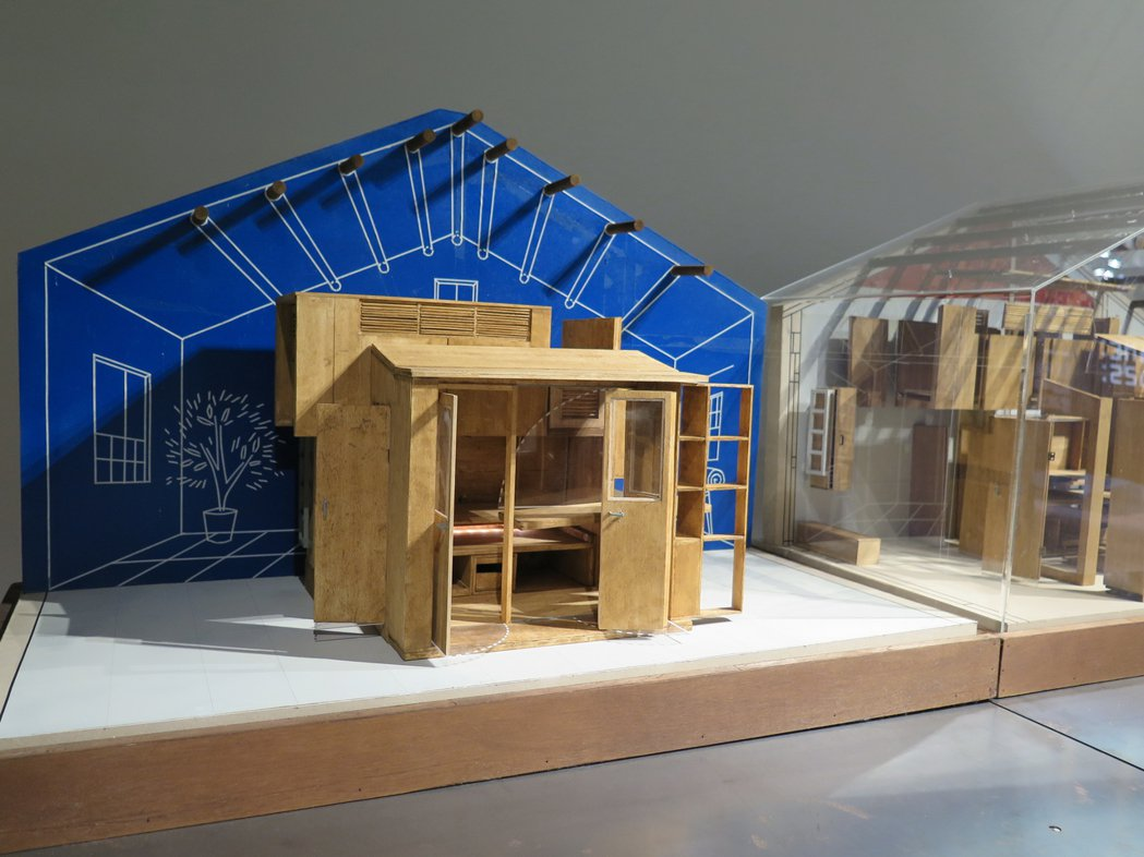 建築師劉國滄打造家盒櫃屋,應用收納盒櫃技術,讓人們可自由拆解家具及組合空間。記者...
