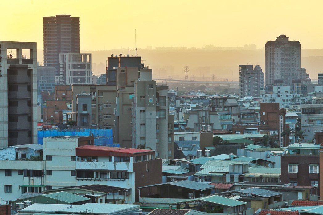 財政部表示,經營民宿房屋稅課徵仍有適用住家用稅率空間。記者林伯東/攝影