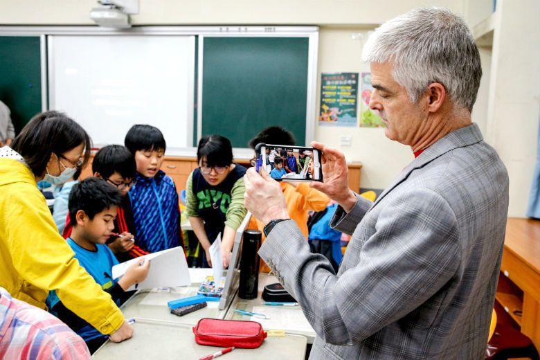 翻轉教育發想者 Jonathan Bergmann 到訪台灣參觀實施成果。 圖/聯合報系資料庫