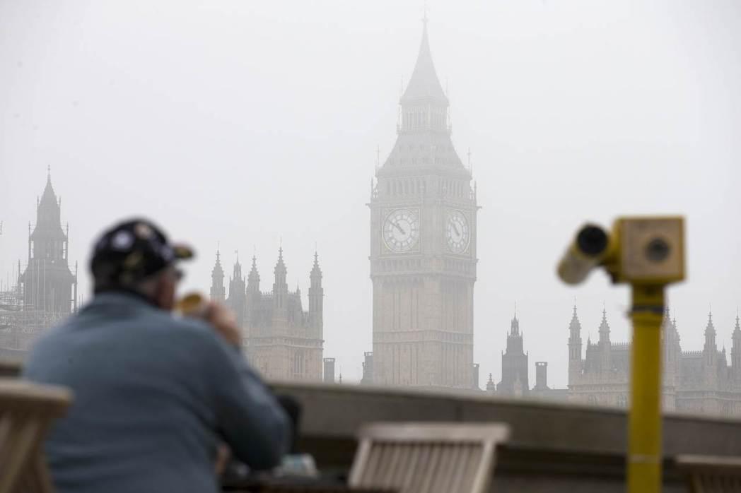 污染物造成霧鎖倫敦的景象在政府法令及相關努力之下,已然少見。然而這並不表示倫敦天...