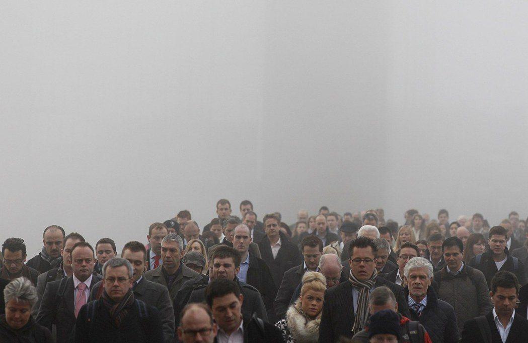 時至今日,霧霾不再是倫敦特產,在空污無國界的全球化時代,又該怎麼讓更多人相信環境...