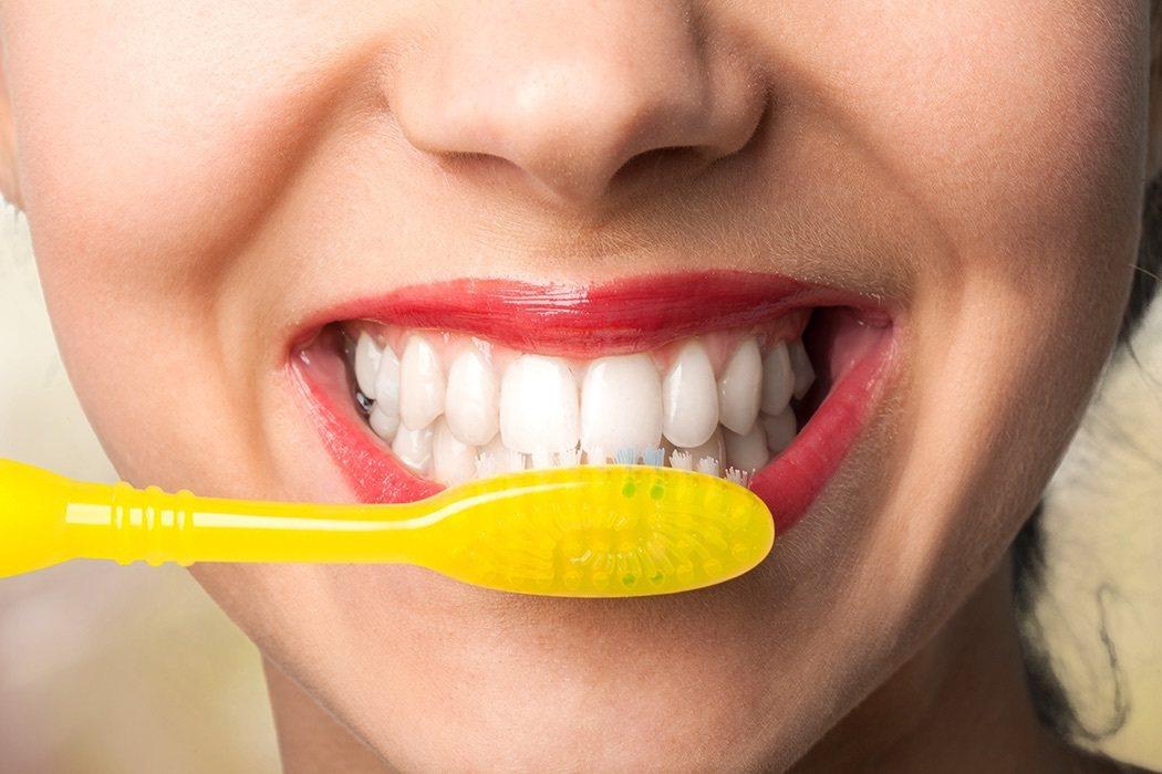 研究顯示,同一家人容易罹患相同的口腔疾病,如果放任不管,未來牙痛家庭一年的治療費...