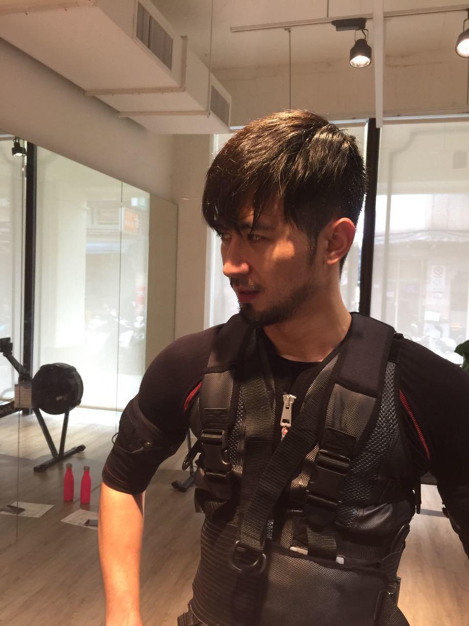 簡宏霖最近積極健身。圖/周子娛樂提供