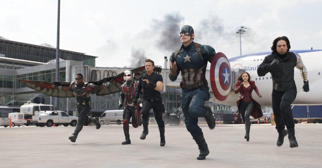 「美国队长3:?雄内战」获全美民选奖多项提名,台湾会播出颁奖典礼。图/摘自imd...