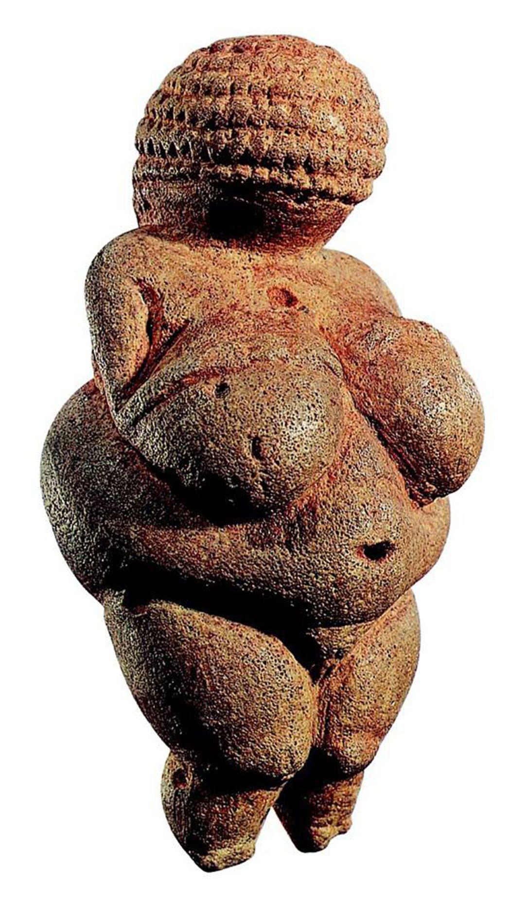 还有人把旧?器?代的「维伦多你呋的维纳斯」女性雕像图?出来比较。图/摘自Stev...