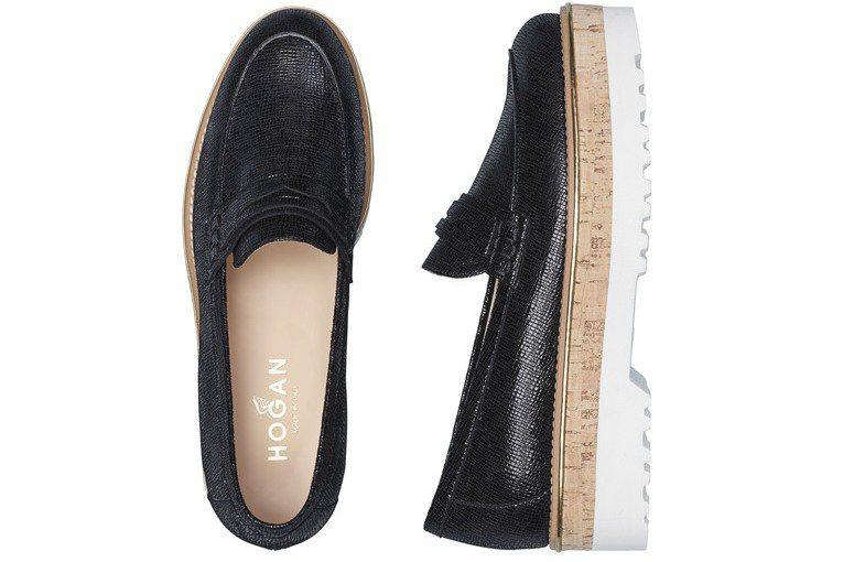 ROUTE亮面壓紋皮革厚底休閒鞋,售價19,900元。圖/HOGAN提供