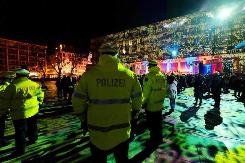 2016年跨年夜前,科隆警局釋出新的安全措施:「科隆市區屆時將不會有任何地方看不...