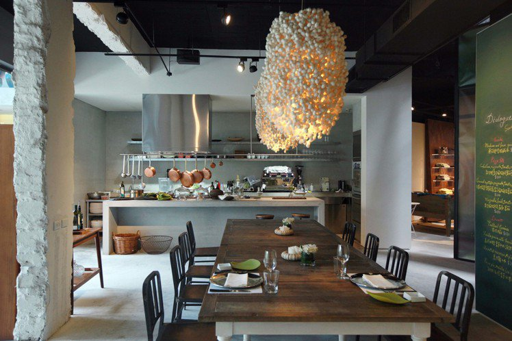 Dears Café 天母概念店開放式廚房。圖/Dears Waffle & C...