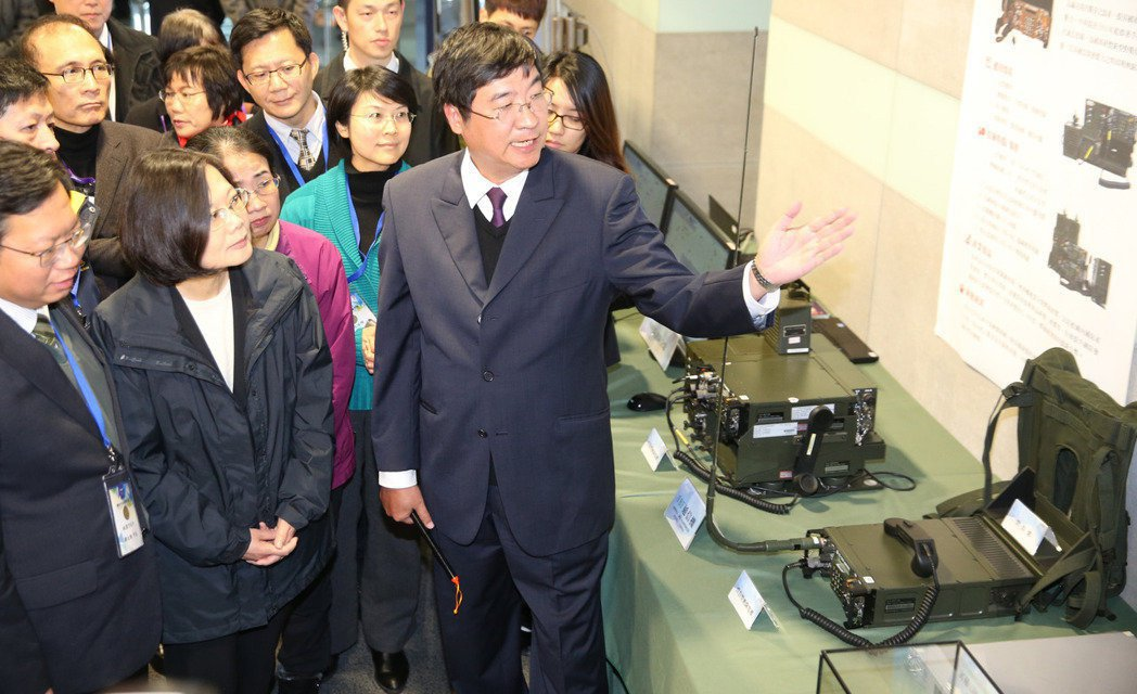 據悉,蔡英文總統去年11月18日曾密訪中山科學研究院桃園本部,視察中科院研究成果...