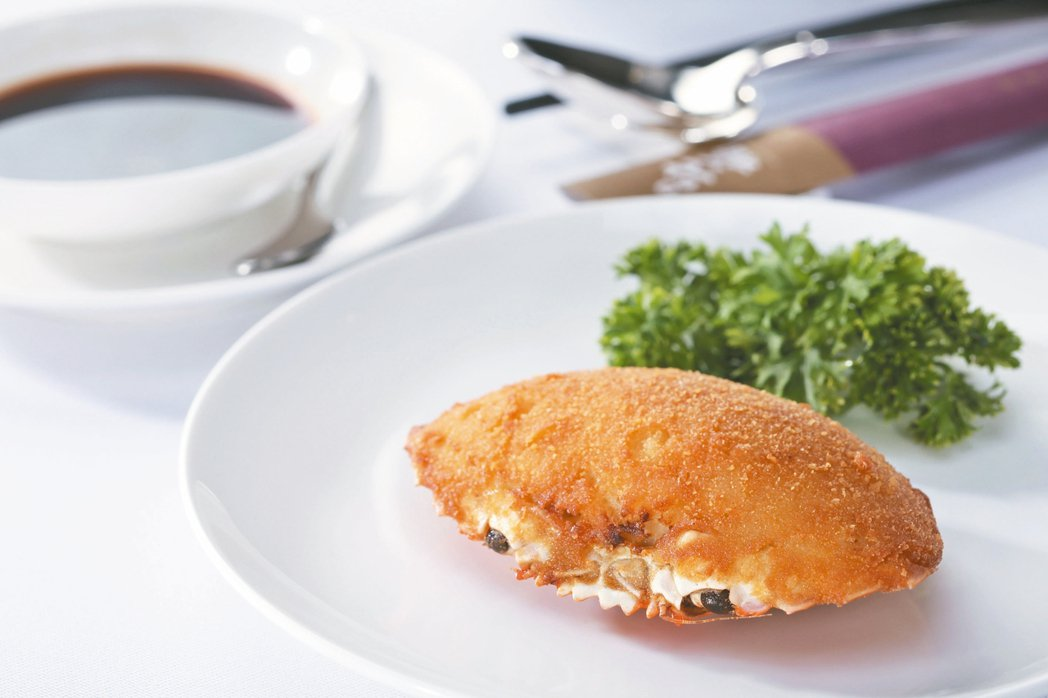 Fusion菜始祖「焗釀蟹蓋」。 圖/謝嫣薇、相關單位提供