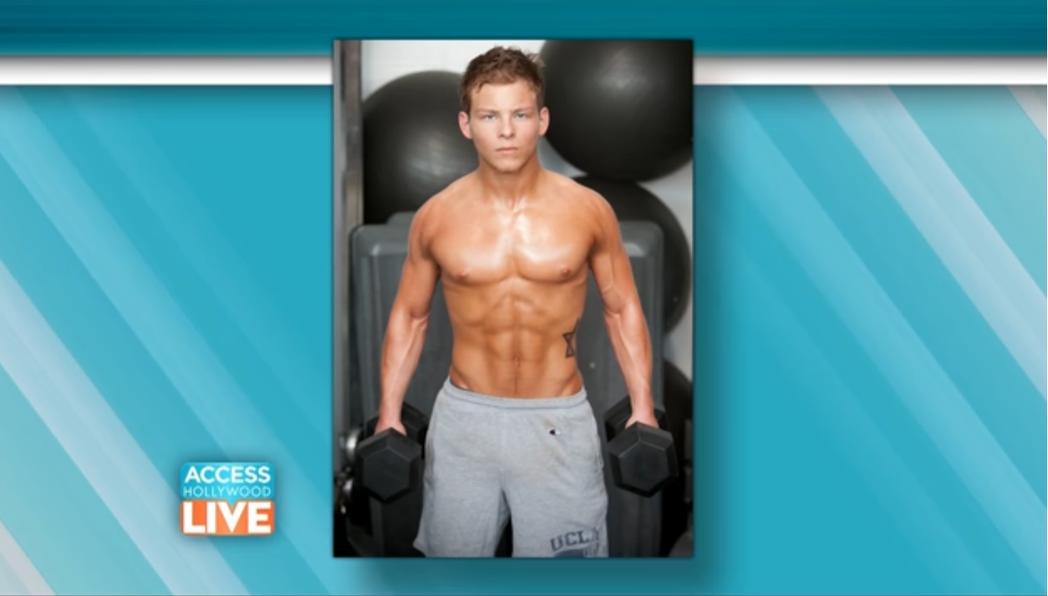 強納森林普尼基長大變成肌肉猛男。圖/翻攝自YouTube