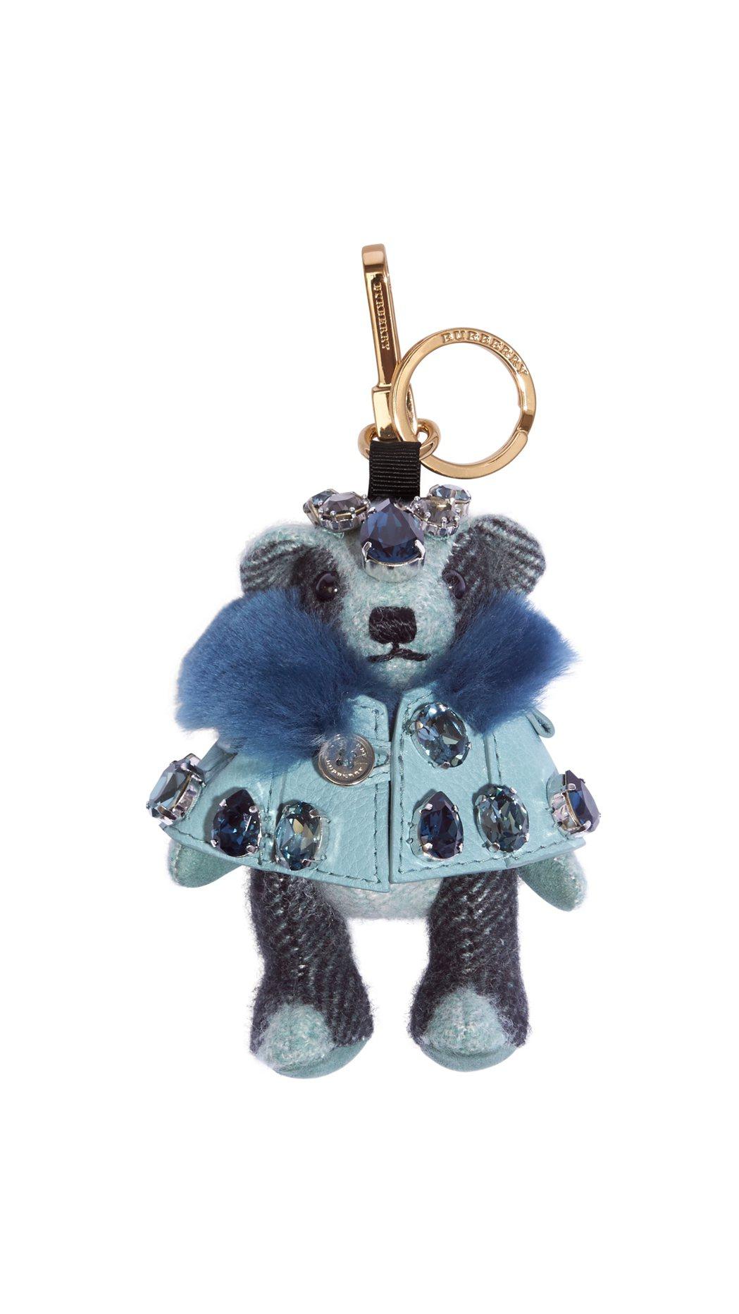農曆新年禮品系列包括品牌經典小熊Thomas Bear。圖/BURBERRY提供