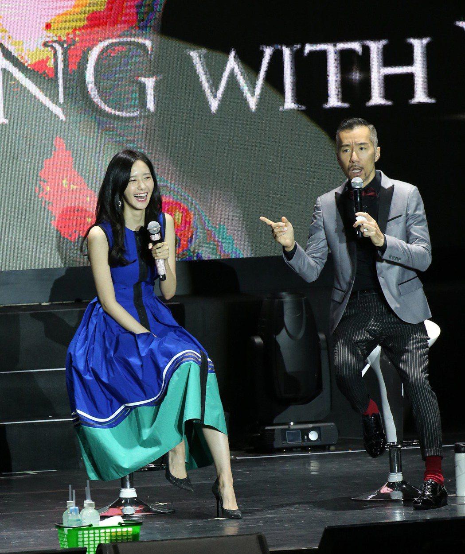 韓星潤娥(左)來台會粉絲。記者陳瑞源/攝影