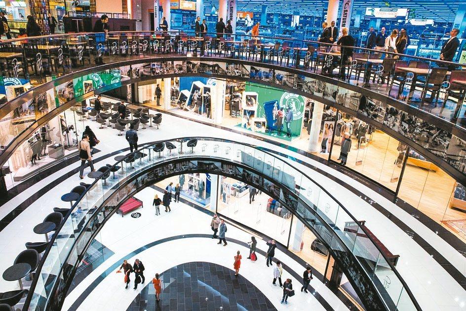 德國去年經濟成長幅度不僅優於分析師預期,更創下五年來最佳表現,反映失業率下滑及創...