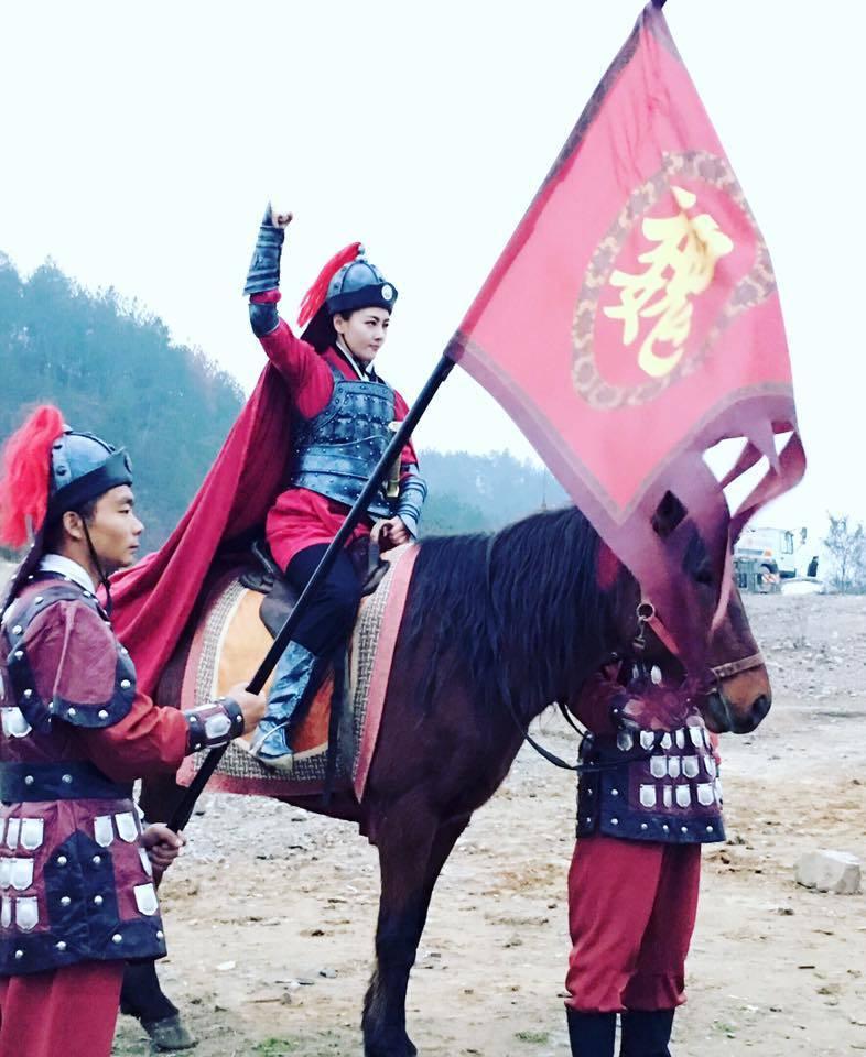 陶嫚曼在劇中飾演帥氣的花木蘭。 圖/擷自陶嫚曼臉書。
