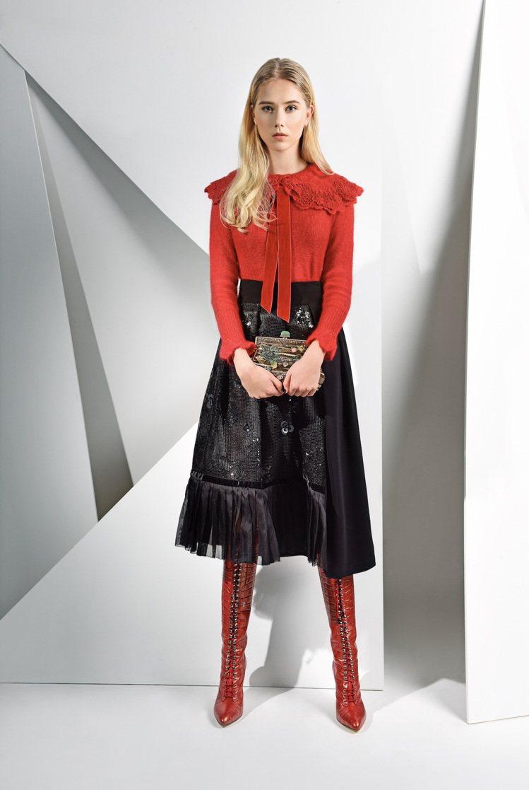 雙面維多利亞針織衫25800元,傾城萬縷黑色圓裙29,800元。圖/夏姿提供