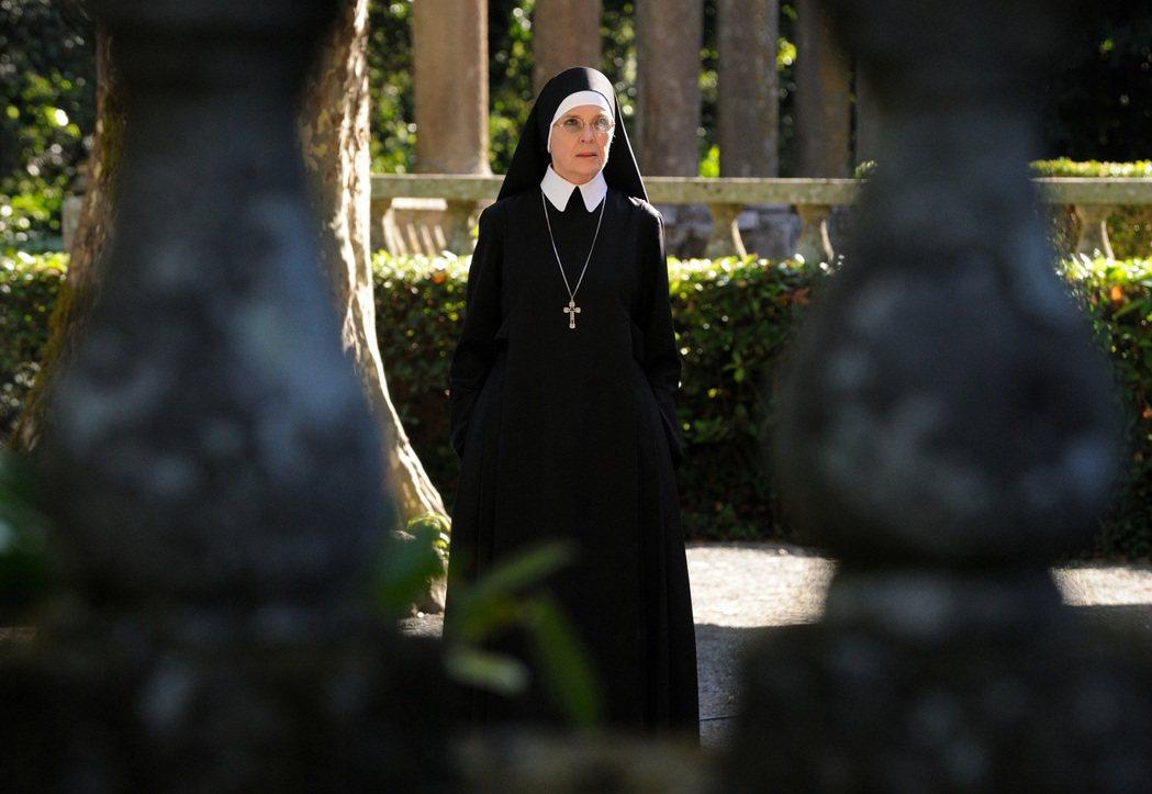 黛?基顿也在「年轻教宗」扮演重?角色。图/FX频道提供