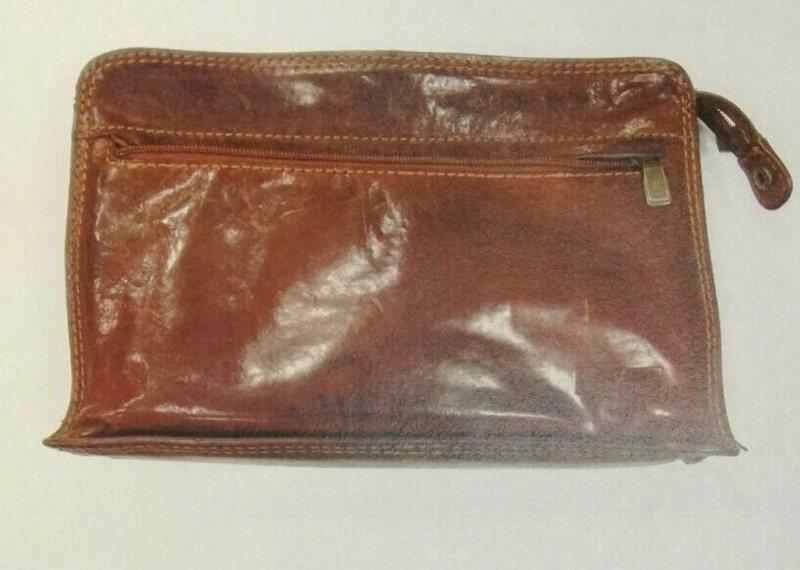 張男偷走前立委的包包。記者劉星君/翻攝