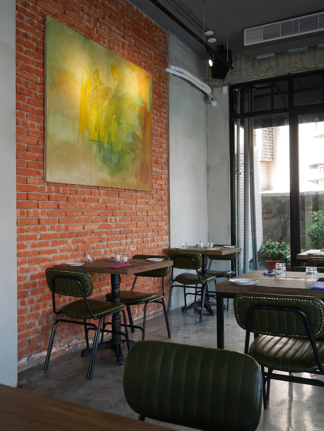 餐廳的空間設計上,給人一種溫馨的氛圍。蘇曉音提供