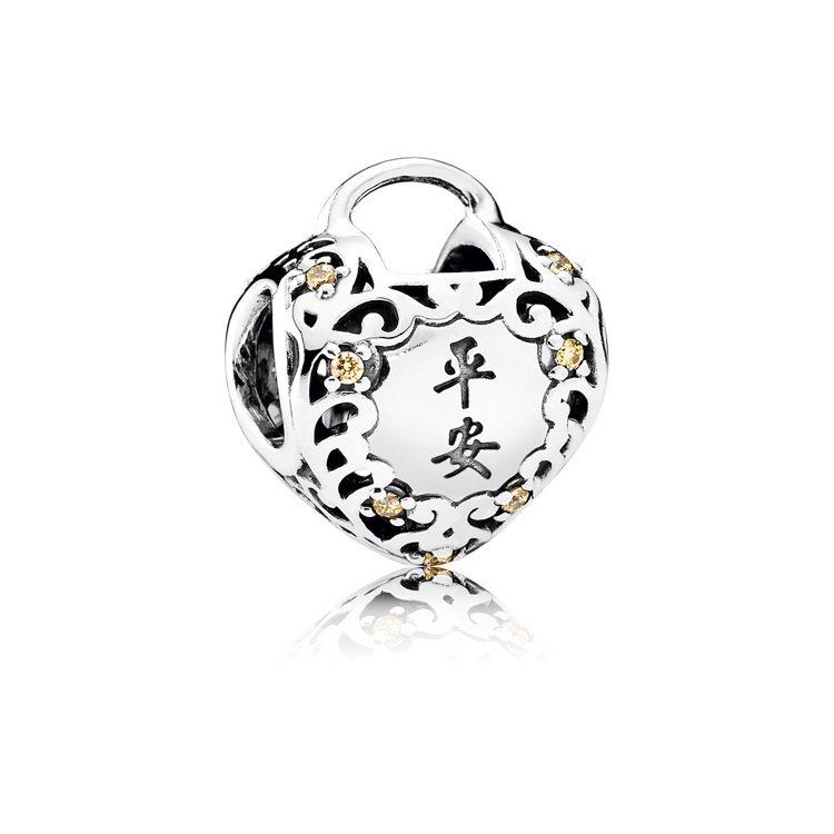 幸福平安14K金925銀串飾,2,280元。圖/PANDORA提供