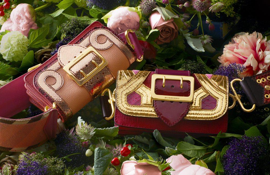 紅色與金色的奢華適合做為年節禮品。圖/BURBERRY提供