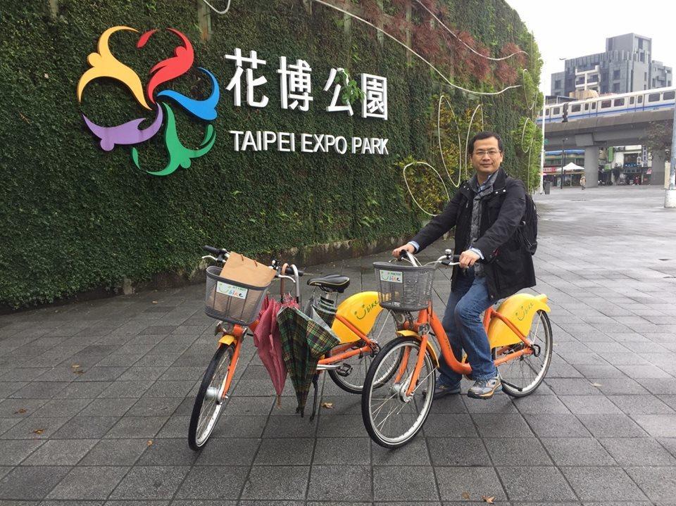 總統府前秘書長羅智強今在臉書粉絲團上宣告,將以臉書直播方式,開新節目「台北-開播...