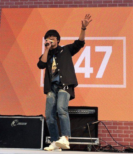 盧廣仲15日在華山文創園區演唱新歌《24小時7天》。(photo by 莊舒羽