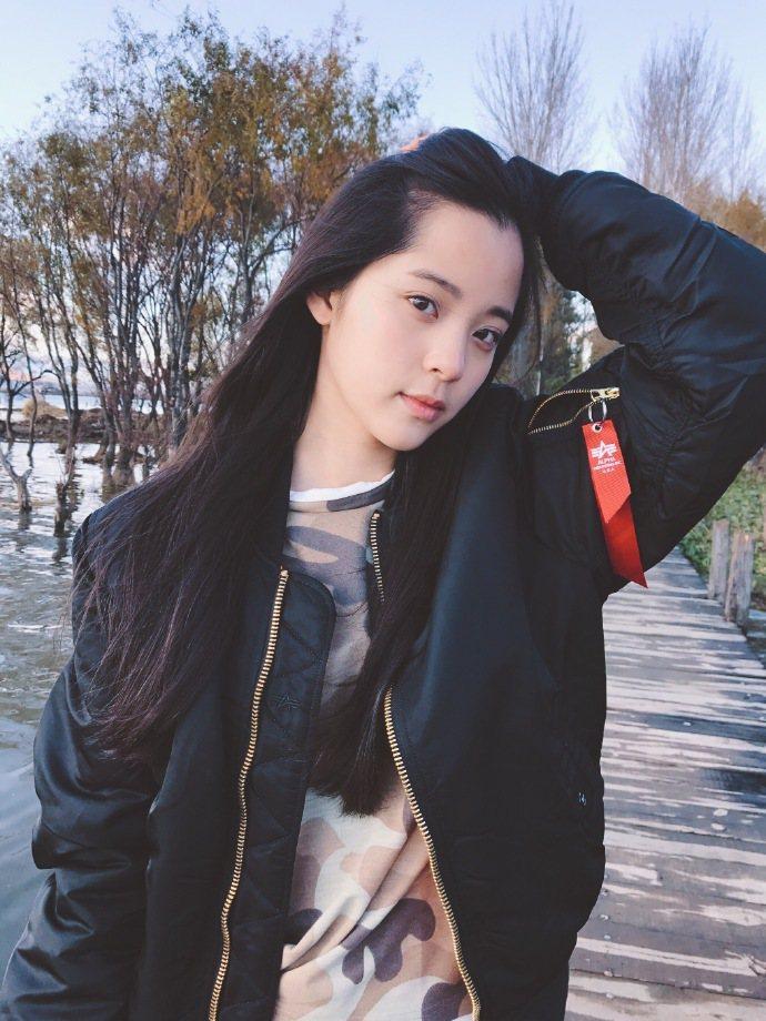 活潑可愛的歐陽娜娜不僅在台灣人氣超旺,在大陸也受到媒體相當的關注。圖/取自微博