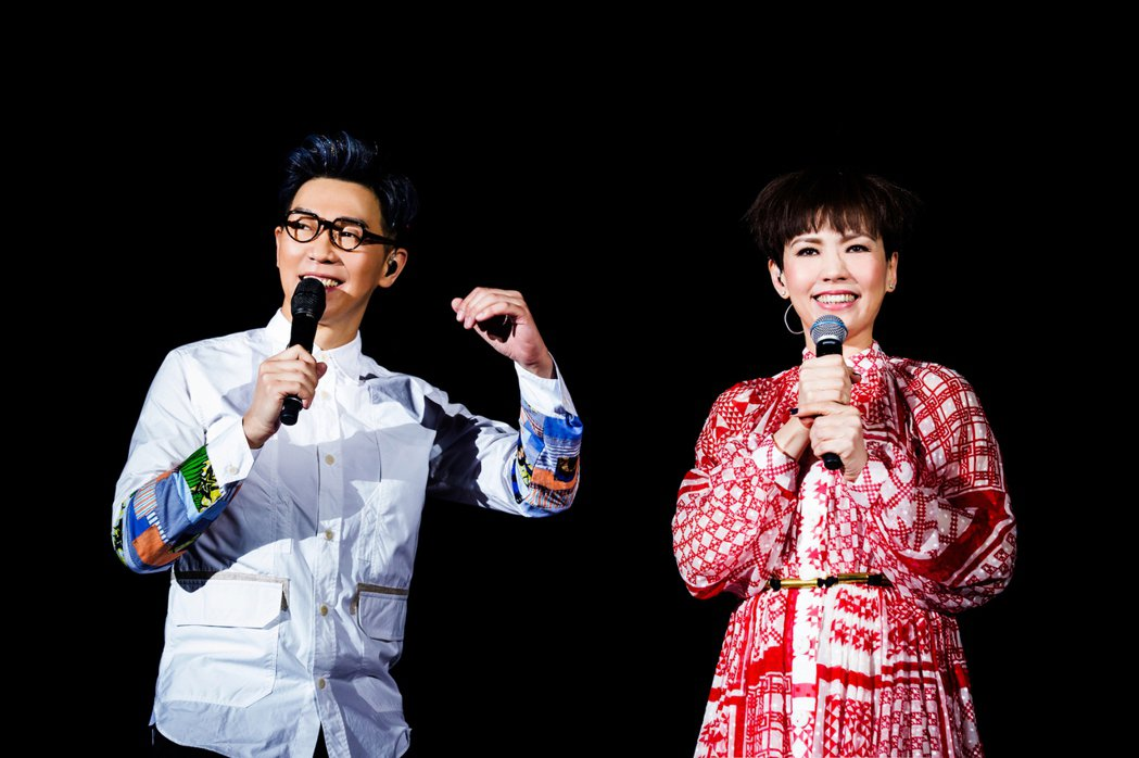 品冠上海開唱,陳潔儀(右)到場當嘉賓。圖/種子音樂提供