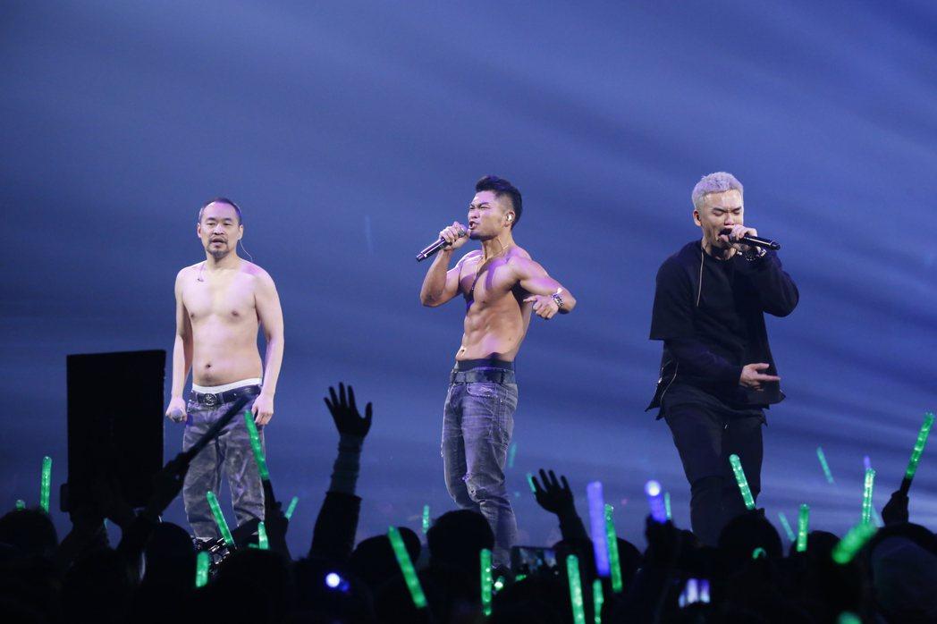 麻吉大哥和李玖哲14日在玖壹壹演唱會助陣。圖//血兒娛樂提供