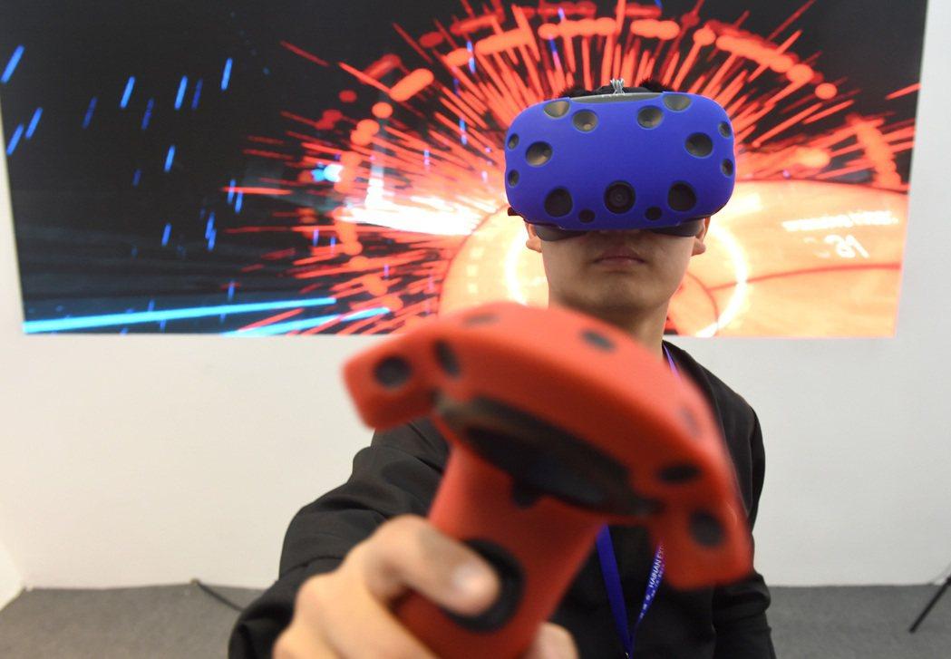 VR是未來科技產業的發展趨勢。 中新社資料照