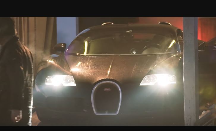 圖為 Bugatti Veyron。 摘自 Youtube
