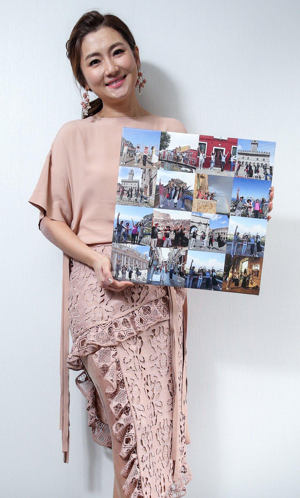 Selina將家人出遊照製成無框相簿,收藏回憶。記者程宜華/攝影