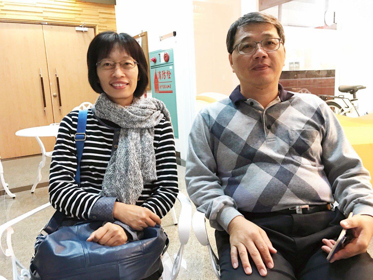 潘錱炯、黃依玟夫妻。記者周宗禎/攝影