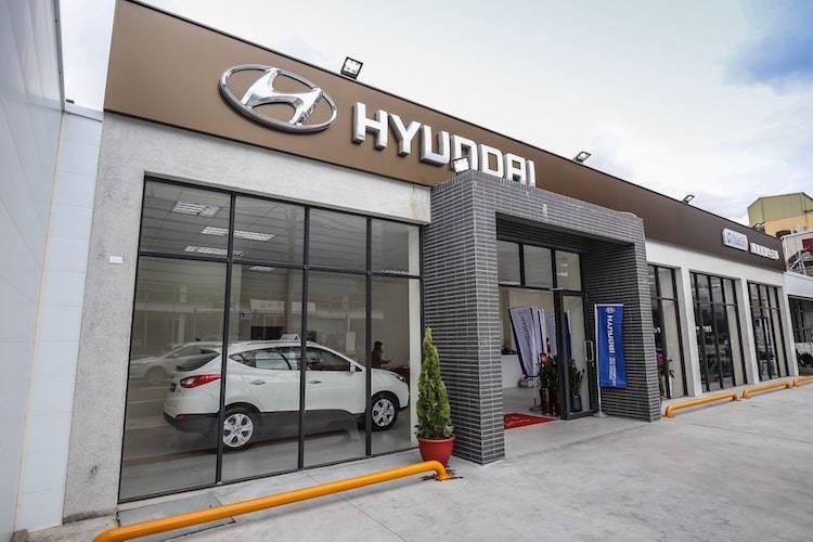 全台第一間「HYUNDAI Promise原廠認證中古車」據點,位於新竹市區,以國際級GDSI展間規範建置。 圖/南陽實業提供