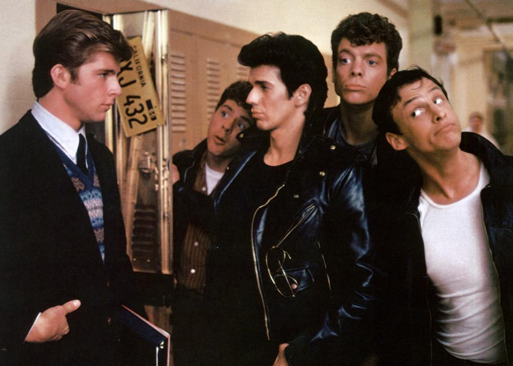 「油脂小子」乖男孩轉學碰到校園幫派刁難。圖/摘自Cineplex