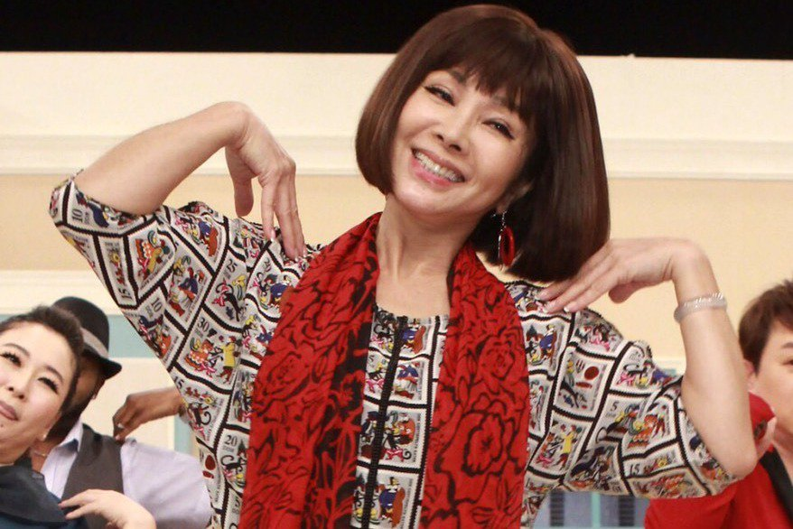 陳美鳳錄「美鳳有約」過年特別節目,跟著大家一起搖擺活力無限。圖/民視提供