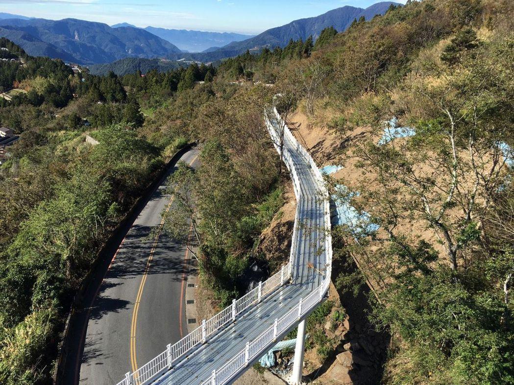 「清境高架景觀步道」即將在2月底完工。圖/南投縣政府提供