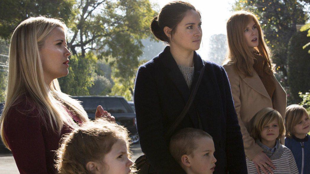 瑞絲薇絲朋(左起)、雪琳伍德莉、妮可基嫚合作「美麗心計」。圖/HBO提供
