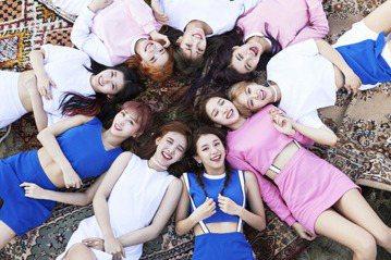 第14屆韓國大眾音樂獎各大獎項入圍名單7日出爐,人氣女團TWICE和2人女子樂隊「臉紅的思春期」將角逐「年度歌曲」、「年度新人」、「年度流行歌曲」等3大獎項。南韓媒體報導,女團TWICE第2張迷你專...