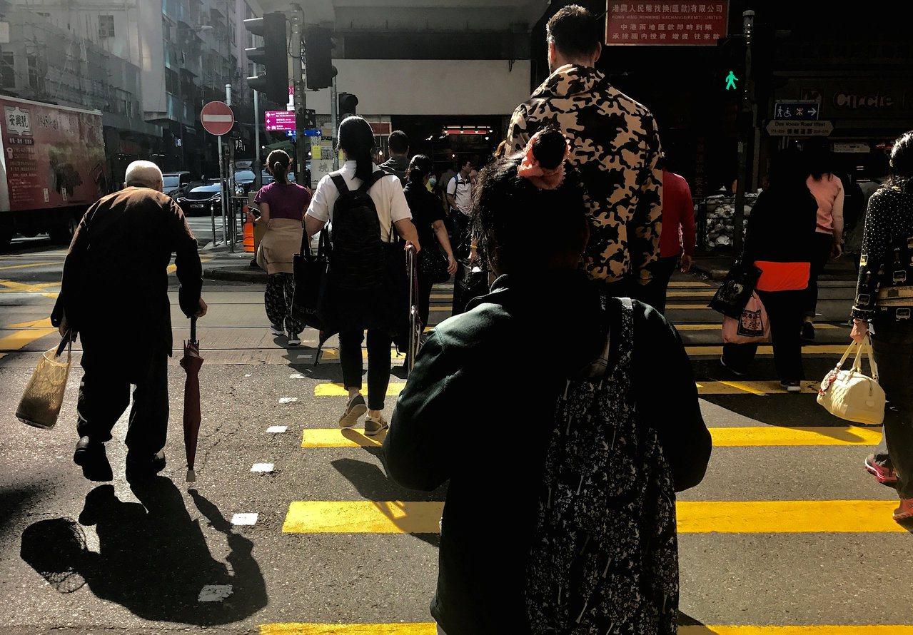 在这大时代,香港人更应重温香港的历史,以寻找自己的位置。图/路透社