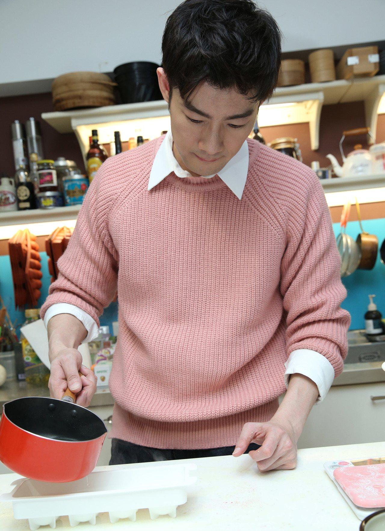 施易男做甜品。記者陳瑞源/攝影