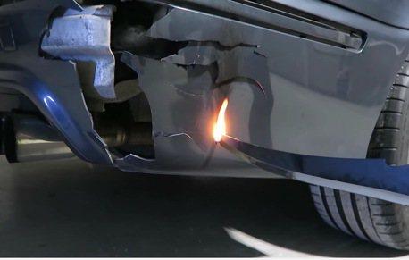 BMW M5對上1000度的超高溫刀 能毫髮無傷嗎?