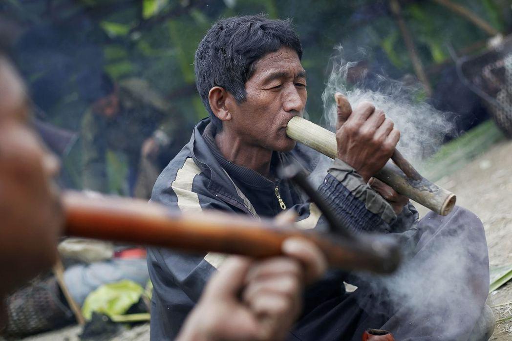 緬甸鴉片農們繼續在夾縫中求生存,雖然在每年各界都在呼籲直視輔導轉型議題,並期望毒...