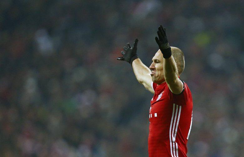 拜仁慕尼黑隊的荷蘭籍球星羅本一席「踢中超等於職業生涯終結」的言論,更是引來中國球迷一陣撻伐。 圖/路透社