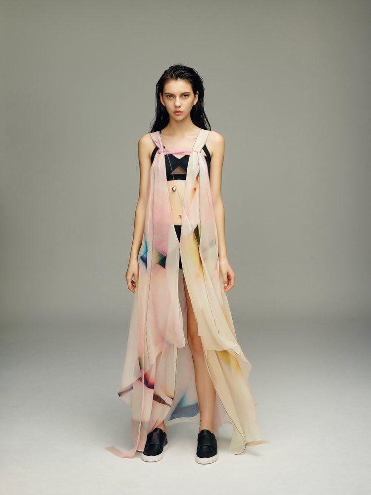 在布料與花卉影像的流動中,展現春夏的粉嫩氛圍。圖/JAMEI CHEN提供