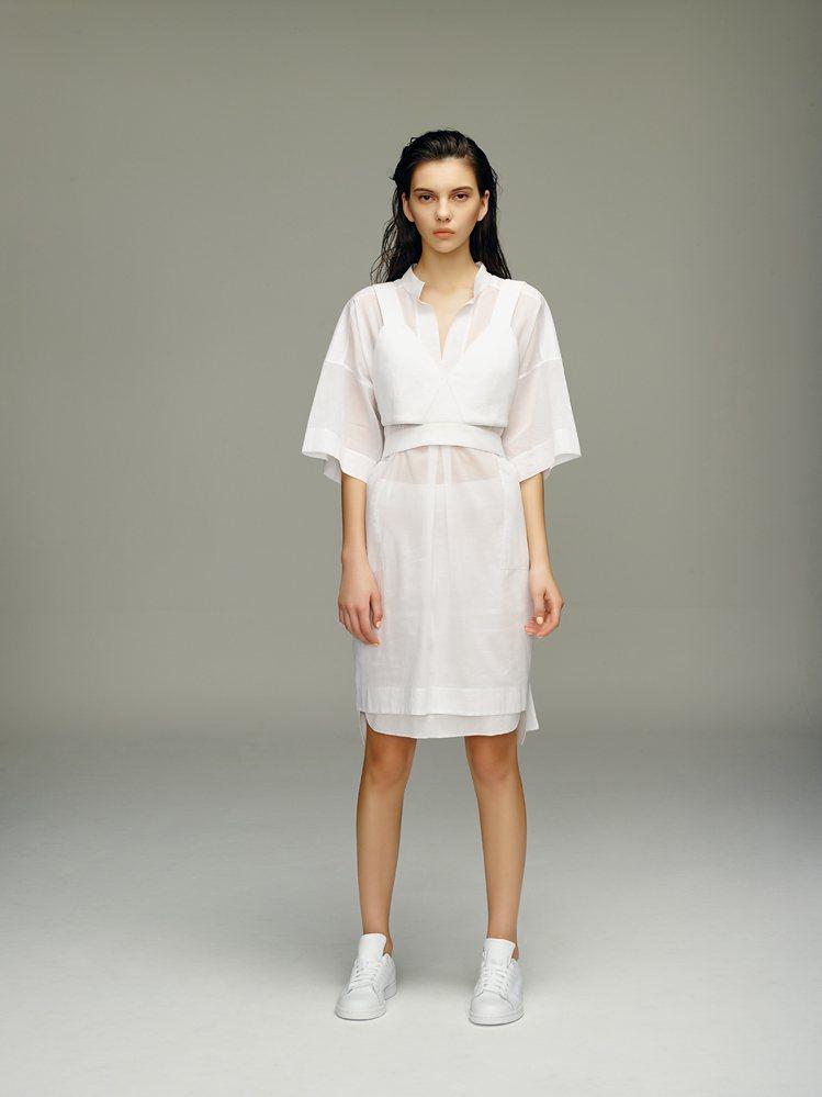 本季大量選義大利純棉材質,展現輕透空靈的飄逸之美。圖/JAMEI CHEN提供