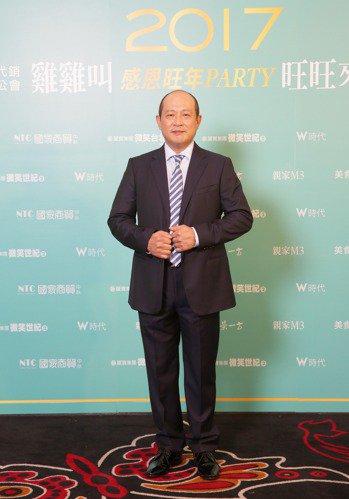 台中市不動產代銷公會理事長暨萬群總經理謝坤成。