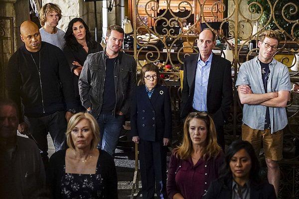 米蓋爾法拉(後排右二)是「重返犯罪現場:洛杉磯」固定主角之一。圖/摘自buddy